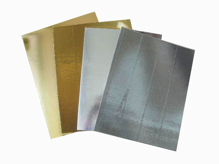 Double sided shiny metallic corrugated paper